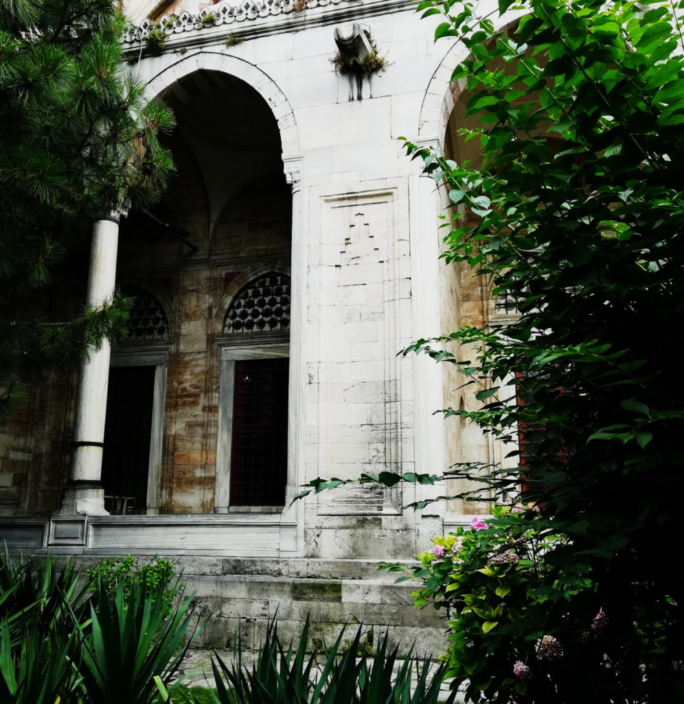 Mimar Sinan designed the Şehzade Mosque with a Garden to create an atmosphere of tranquility