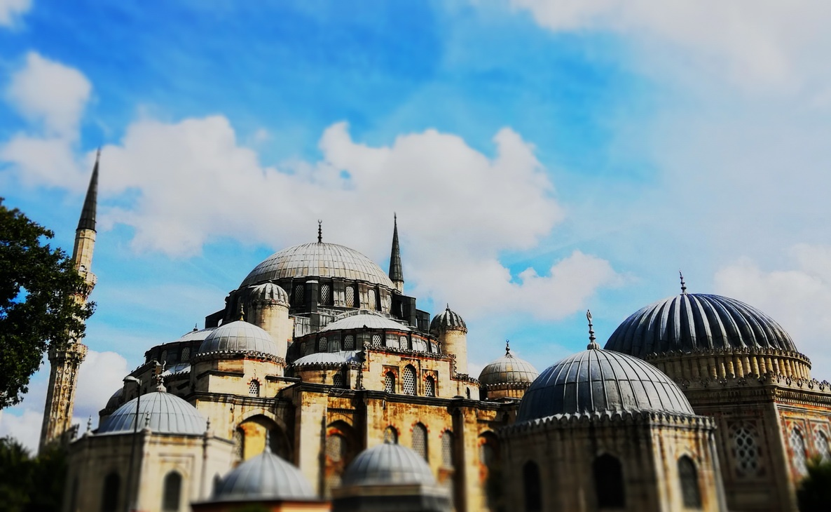 Şehzade Mosque, the early work of Mimar Sinan