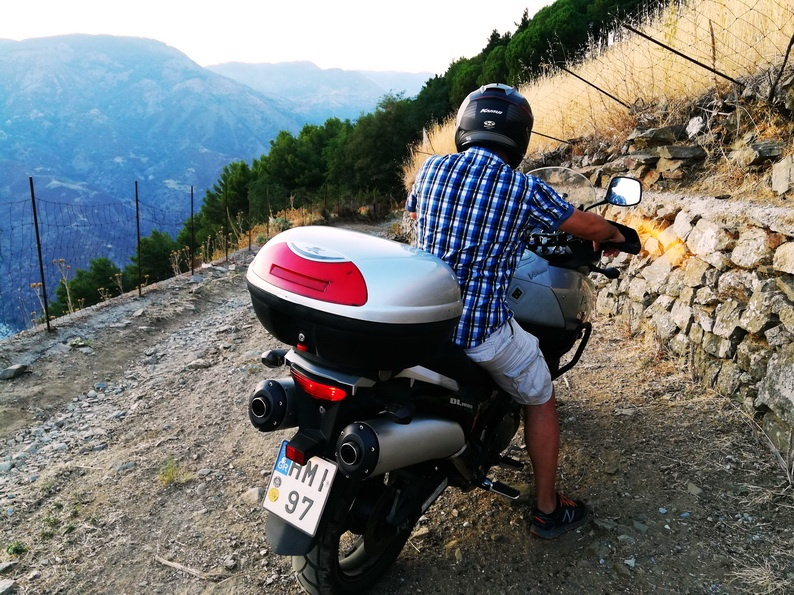 Greece to Sicily by motorcycle -Magna Grecia - the Dirt Road to Galliciano