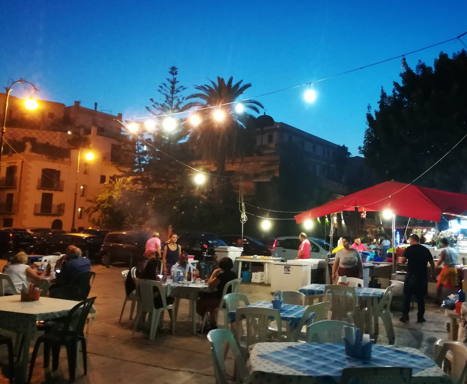 What to Eat in Palermo - Try Stigghiola at the Street cantinas near the Paizza Kalsa