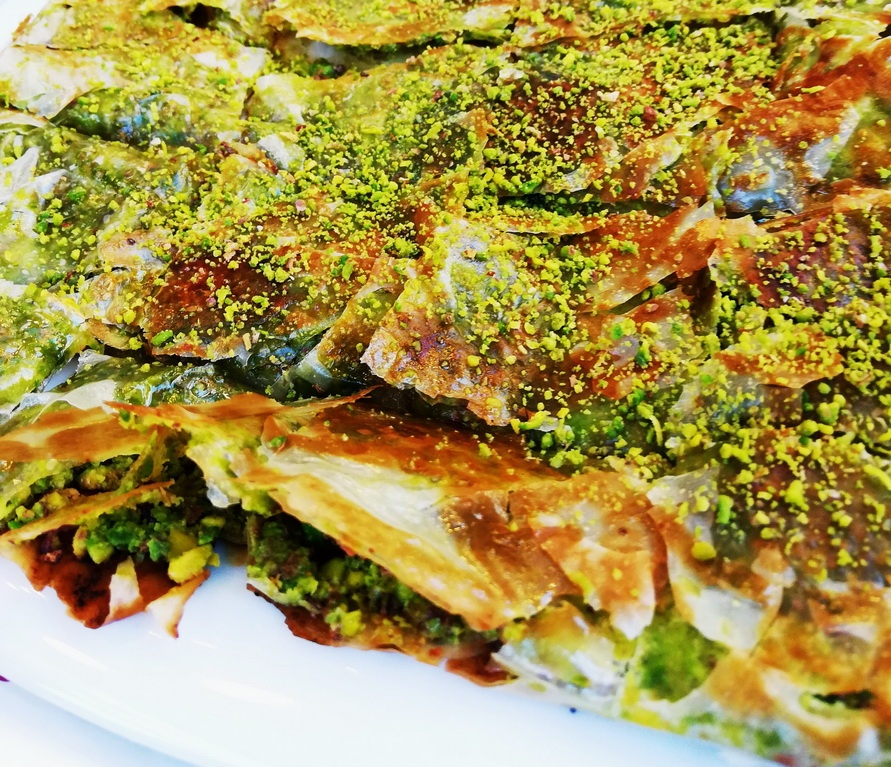 Turkish desserts:Katmer served Ganziantep style, with pistachios
