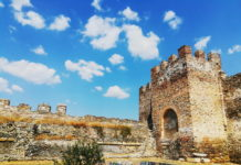 Tings to Do in Old Toen Thessaloniki - Ano Poli Byzantine walls
