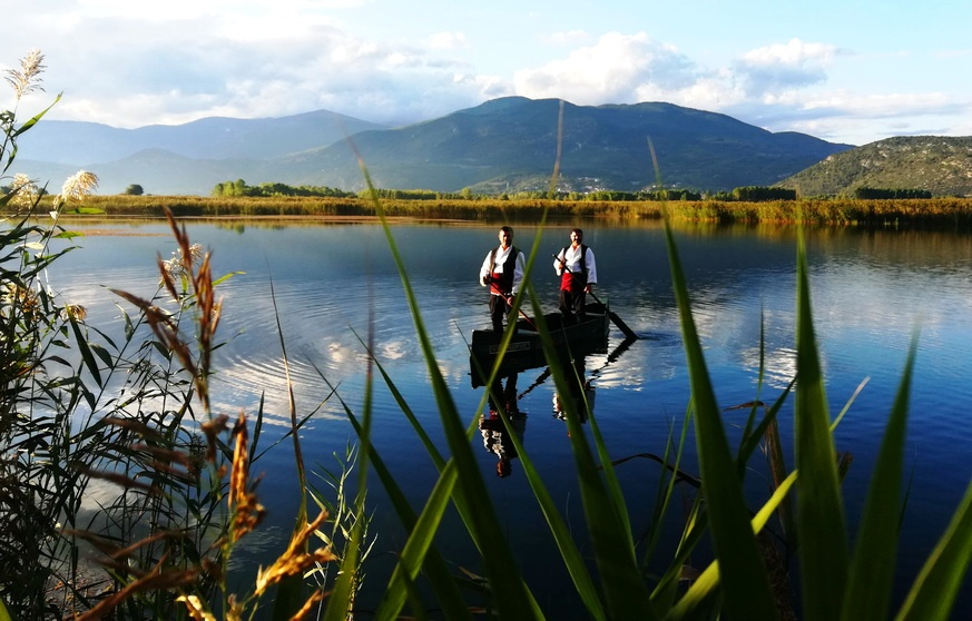Visiting Edessa - Lake Vritta
