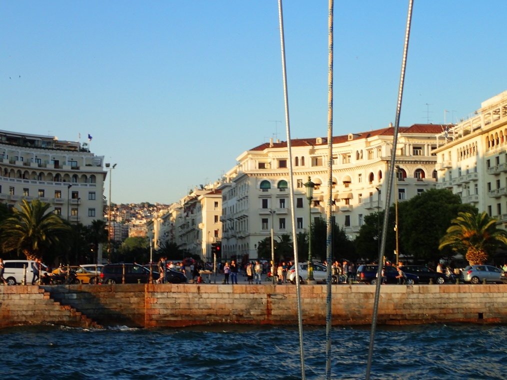 A cocktail cruise of one of the top 10 locals' favorite activities in Thessaloniki