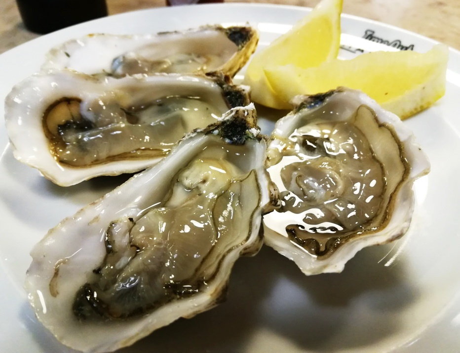 What to Eat in Three Days in Lisbon - Oysters at the Time Out Market