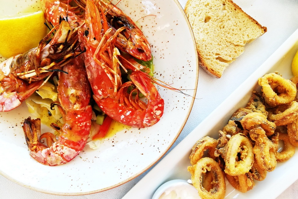 In Tolo, Argolida, there is excellent seafood - grilled shrimp and crisp fried calamari